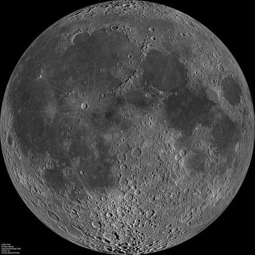 1024px-Moon_nearside_LRO.jpg